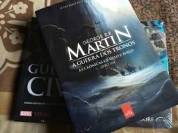"""Livro """"As Crônicas de Gelo e Fogo: livro um"""""""