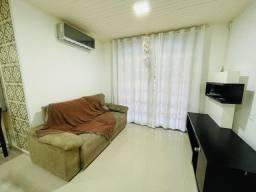 Casa á venda com 4 dormitórios, na Praia de Palmas.