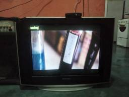 Vendo TV Samsung de tubo grande tudo funcionando perfeitamente valor 160