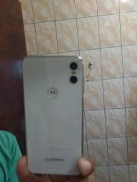 celular Motorola.moto one branco...