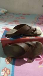 Vendo sandália masculina