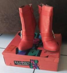 Título do anúncio: Bota ramarin ankle boots nova