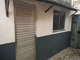 Kit-Net Espaço e bem localizado no bairro da Pedreira.