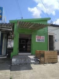 Vende ou troca Casa na principal com ponto de comércio
