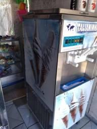 Vendo máquina de sorvete italiano em ótimo estado