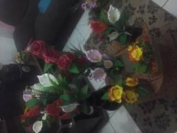 Arranjos de flores em E . V . A