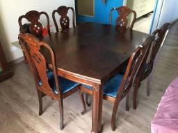 Mesa de madeira maciça c/ 6 cadeiras