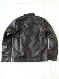 Jaqueta de motoqueiro em couro sem uso