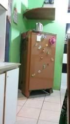 Vendo ou troco geladeiras muito boa