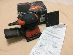 Lixadeira Black&Decker 127V (Treme-Treme)