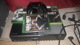 Xbox one com um controle