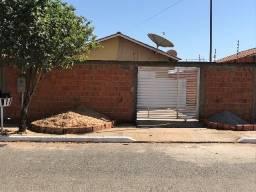 Casa Santa Terezinha Agio 60 ou Financiamento Entrada de 12 sob esquina com avenida A