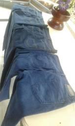 Vende se estas 03trez calças jeans semi.novas por $50.00