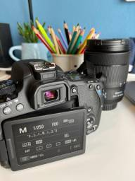 Canon 77D + Lente EFS 18-135mm *NOVA