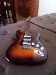 Guitarra stratocaster (vendo.ou.troco)