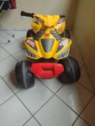 Quadriciclo Infantil Bandeirante