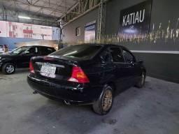 Título do anúncio: focus sedan ghia 2.0 2003