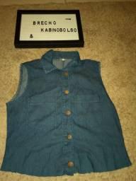 Colete jeans da marca HANDARA
