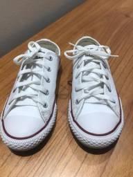 Vendo Tênis All Star em couro branco, usado apenas uma vez pra ser pagem!