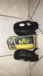 Aparado de soco + Punching Ball Pretorian Couro