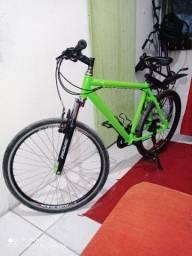 Bicicleta Aro 26 Semi Nova Toda Alumínio