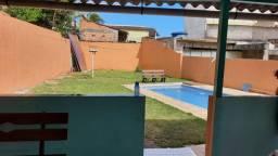 Casa com piscina em Setiba