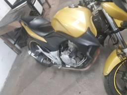 Moto cb 300 2011