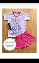 Sandálias infantis e pijamas de colorir