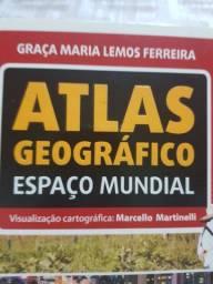 Livro ATLAS GEOGRAFICO ESPAÇO  MUNDIAL .