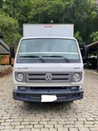 VW baú 8-160 4x2