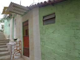 TÍTULO: Vende-se uma casa (duplex), com 3 quartos, no Centro de Caruaru