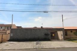 Título do anúncio: Casa com 3 quartos e amplo terreno no Cruzeiro