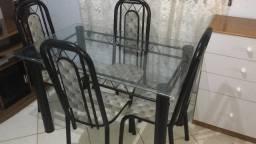 Mesa de 4 cadeira de vidro