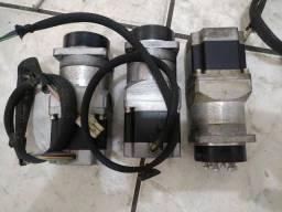 Motor de passo com atuador rotativo