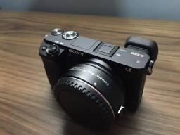 Sony a6300, 4K + Adaptador para Lentes Canon + Cage de Metal + 3 Baterias.