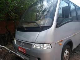 Vende-se micro-ônibus VOLARE, em Açailândia-MA