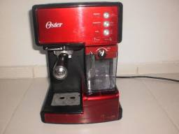 Cafeteira Prima Latte Capuccino Oster 110v