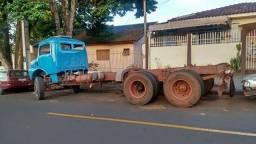 Caminhão no chassi funcionando