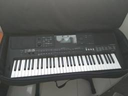 Teclado Yamaha PSR E453