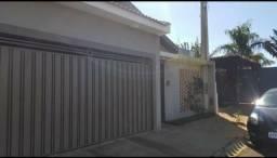 Vendo ou alugo casa em condomínio na cidade de Brodowski