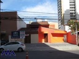 Casa com excelente localização, na Av. Jorge amado, bairro Jardins