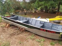 Barco de alumínio fluvem f60 6metros + motor Mercury 40 HP 2 tempos - 2017
