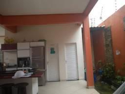 Casa duplex no parque das laranjeiras