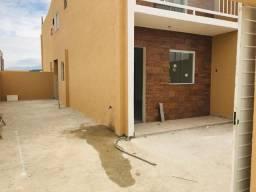 Casa Duplex, 2 quartos - Amplo quintal - Financiamento Caixa