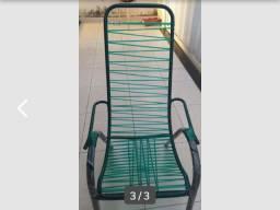 Alguém que conserte cadeiras de fio?
