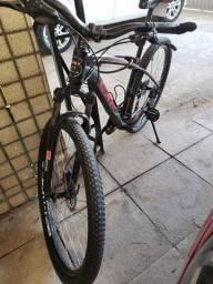 Bicicleta bike aro 29 freio hidráulico e shimano altus