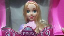 Título do anúncio: Boneca princesa para pentear