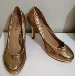 Título do anúncio: Sapato de Festa Dourado (Brilhante) Spatifilus Tamanho 37
