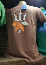 Camiseta peteada em atacado