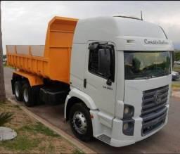 Título do anúncio: Caminhão caçamba 24250